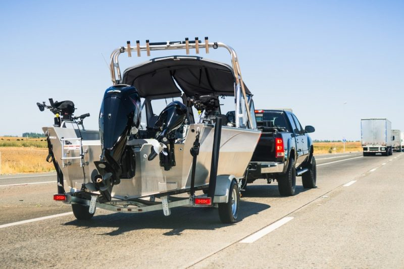 what-you-should-know-about-boat-towing-service